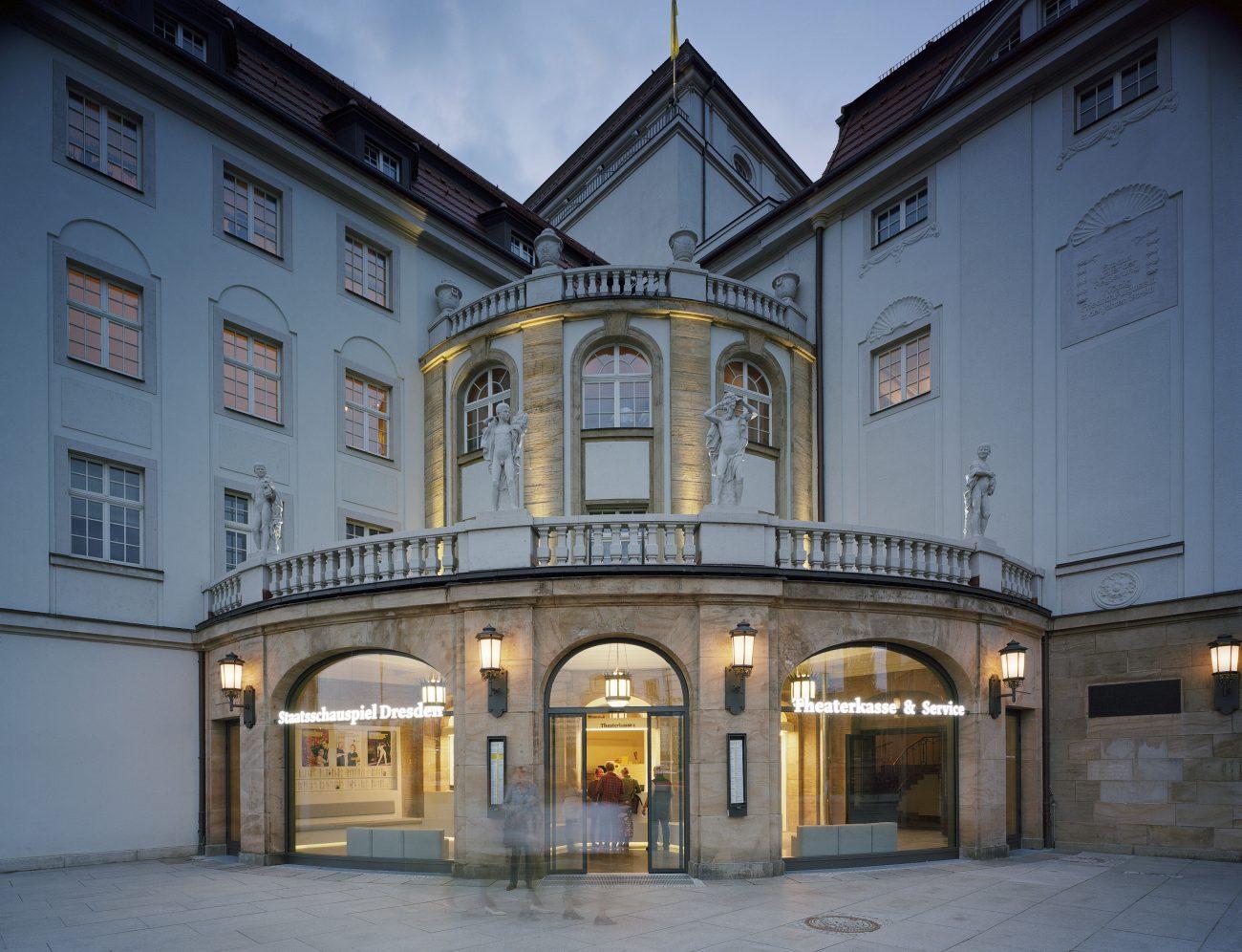 Ticket Lounge Alexander Poetzsch Architekten